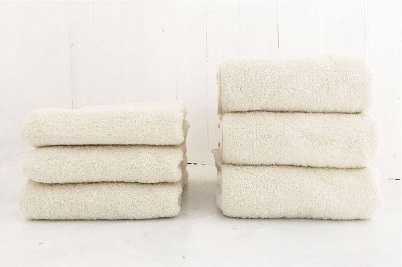 育てるタオルfeelバスタオルの洗濯後の比較画像